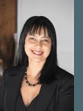 Audrey Goetz, Professionals McDermott Estate Agents - Robina