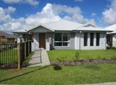 133 Whitehaven Drive, Blacks Beach, Qld 4740