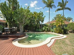 15 Sundown Drive, Paradise Point, Qld 4216