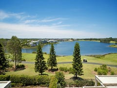 8320 Magnolia Drive East, Hope Island, Qld 4212