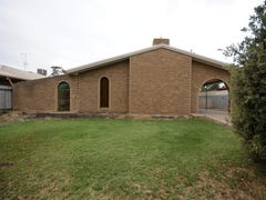 323 Jameson St, Deniliquin, NSW 2710