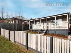 4 CAROLE AVENUE, Chirnside Park, Vic 3116