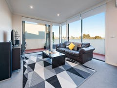 7/30 Diamond Boulevard, Greensborough, Vic 3088