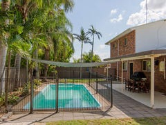 13 Kingfisher Parade, Norman Gardens, Qld 4701
