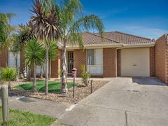 2/14 Santolin Drive, Hillside, Vic 3037