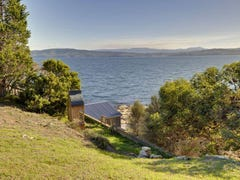 102 Spitfarm Road, Opossum Bay, Tas 7023