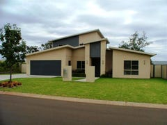 19 Nioka Drive, Highfields, Qld 4352