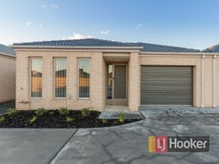 Unit 4/30 Sir Thomas Drive, Pakenham, Vic 3810