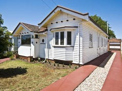 22 Clark St, South Toowoomba, Qld 4350