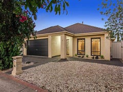 9 Grove Hall Place, Caroline Springs, Vic 3023