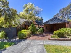 18 Strickland Drive, Wheelers Hill, Vic 3150