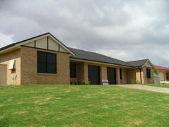 Unit 1&2,39 London Drive, Cowra, NSW 2794