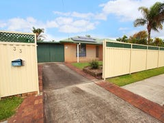 33 Peacock Crescent, Bokarina, Qld 4575