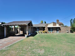 2 Carey Place, Cooloongup, WA 6168