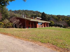 118 Growlers Creek Road, Wandiligong, Vic 3744