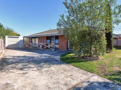 98 Clairmont Avenue, Cranbourne, Vic 3977