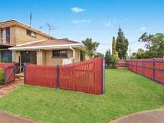 1/10 Gloucester Crescent, Darling Heights, Qld 4350