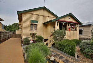 27 Clark Street, South Toowoomba, Qld 4350