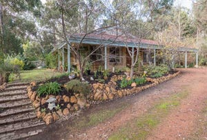 8 Campbell Way, Parkerville, WA 6081