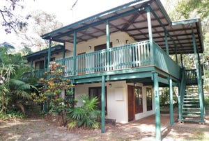 30 Booran Street, Point Lookout, Qld 4183