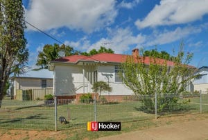 Unit/12A Thompson Crescent, Tamworth, NSW 2340