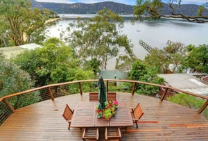 142 Riverview Ave, Dangar Island, NSW 2083