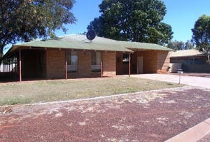 2 Middleton Way, Nickol, WA 6714