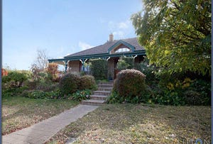 2 Taber Place, Isaacs, ACT 2607