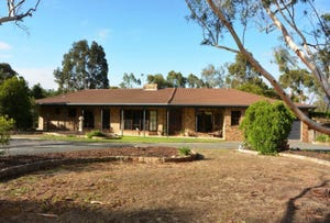 38 Holloway Road East, Stawell, Vic 3380