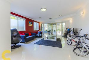 1/4 King Street, Southport, Qld 4215