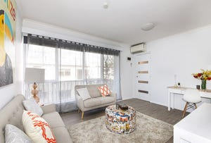8/562 PASCOE VALE ROAD, Pascoe Vale, Vic 3044