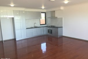 2/10 Llewellyn Place, Eumemmerring, Vic 3177