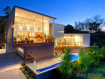 Brick modern house exterior with balcony & landscaped garden - House Facade photo 525857