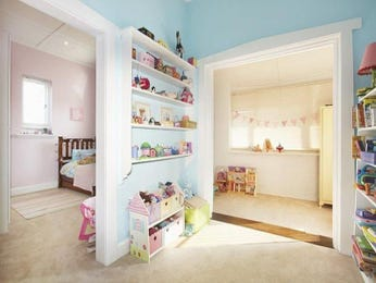 Children's room bedroom design idea with carpet & built-in shelving using blue colours - Bedroom photo 1603261
