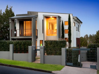 Concrete modern house exterior with balcony & hedging - House Facade photo 526605