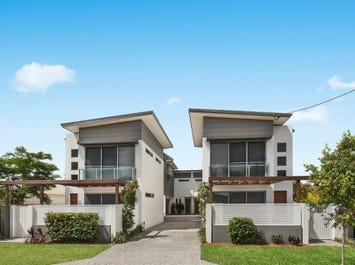 3 and 4/132 Eugaree Street, Southport, Qld 4215