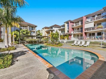 802/33 Clark Street, Biggera Waters, Qld 4216