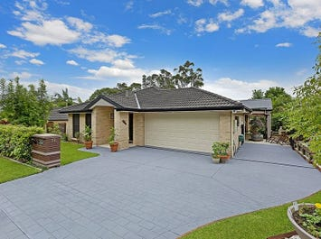 19 Passage Road, Bateau Bay, NSW 2261