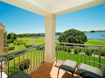 8335 Magnolia Drive East, Hope Island, Qld 4212