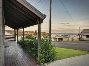 6 Clarke Street, Catherine Hill Bay, NSW 2281