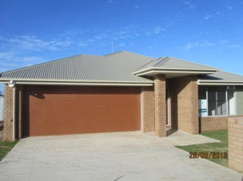 Moranbah, address available on request