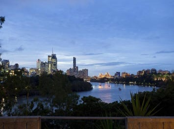 1/68 Lower River Terrace, Kangaroo Point, Qld 4169