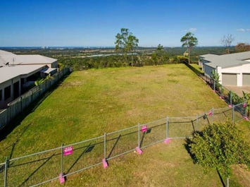 18 Zenith Crescent, Pacific Pines, Qld 4211