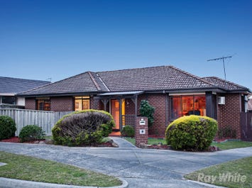 13 Rawdon Hill Drive, Dandenong North, Vic 3175