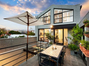 Residence 3, 16 Hurry Place, Prahran, Vic 3181