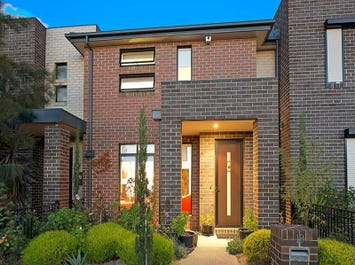 18 Evergreen Boulevard, Clayton South, Vic 3169