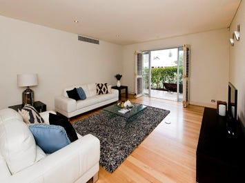 30/1 Corkhill Street, North Fremantle, WA 6159