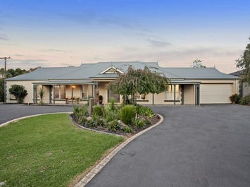 322 Hallam North Road, Lysterfield South, Vic 3156