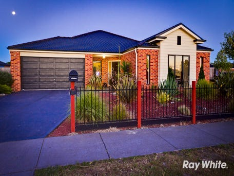 2 Britton Drive, Pakenham, Vic 3810