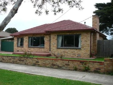 Sold price for 37 ross road altona north vic 3025 for Ross north home designs